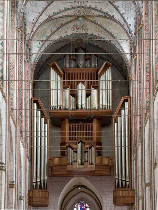 Orgel mit Adventsstern